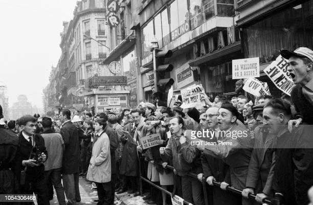 Bruxelles Belgique 14 octobre 1962 Flamands contre Wallons deuxième marche sur Bruxelles organisée par le comité d'action flamand