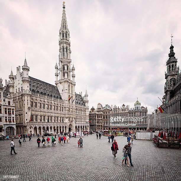 ブリュッセル壮大なグランプラス - グランプラス ストックフォトと画像