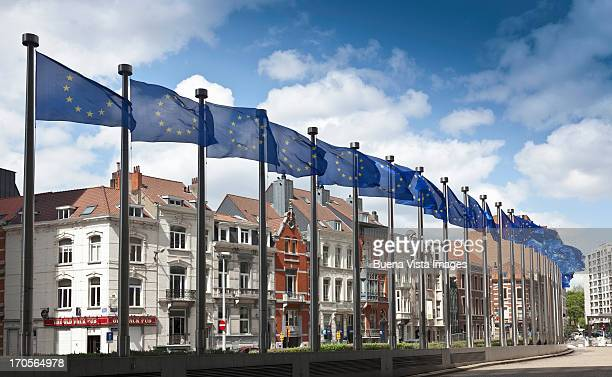 bruxelles, the european parliament. - brussels capital region stock pictures, royalty-free photos & images