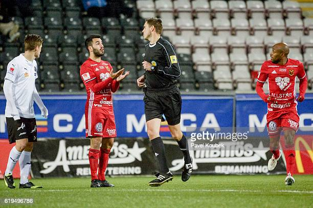 Brwa Nouri of Ostersunds FK argues with ref Magnus Lindgren during the Allsvenskan match Between Orebro SK Ostersunds FK at Behrn Arena on October 31...