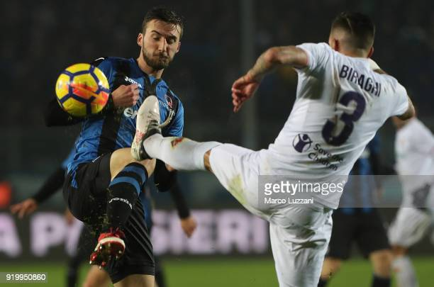 Bryan Cristante of Atalanta BC competes for the ball with Cristiano Biraghi of ACF Fiorentina during the serie A match between Atalanta BC and ACF...