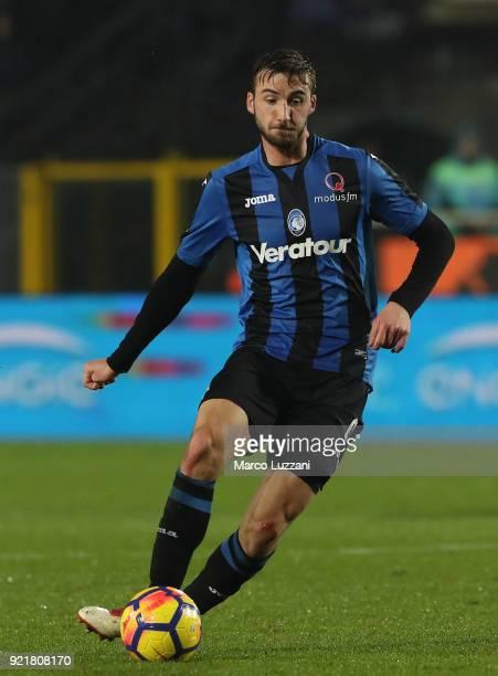 Bryan Cristante of Atalanta BC in action during the serie A match between Atalanta BC and ACF Fiorentina at Stadio Atleti Azzurri d'Italia on...