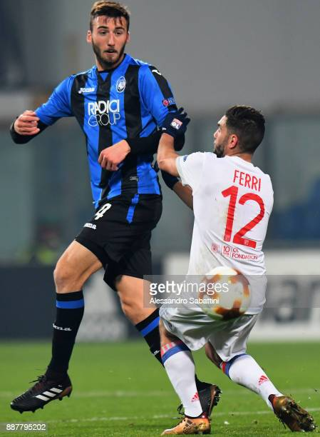 Bryan Cristante of Atalanta competes for the ball whit Jordan Ferri of Olympique Lyon during the UEFA Europa League group E match between Atalanta...