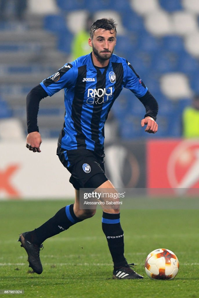 Bryan Cristante of Atalanta in action during the UEFA Europa League group E match between Atalanta and Olympique Lyon at Mapei Stadium - Citta' del Tricolore on December 7, 2017 in Reggio nell'Emilia, Italy.