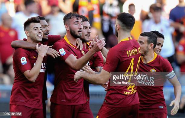 Bryan Cristante with his teammates of AS Roma celebrates after the goal scored by Juan Jesus during the Serie A match between AS Roma and UC...