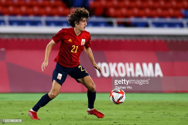 Bryan Gil of Spain controls the ball during the Men's Gold Medal Match between Brazil and Spain on day fifteen of the Tokyo 2020 Olympic Games at...
