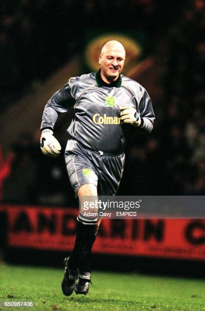 Bryan Gunn Norwich City goalkeeper