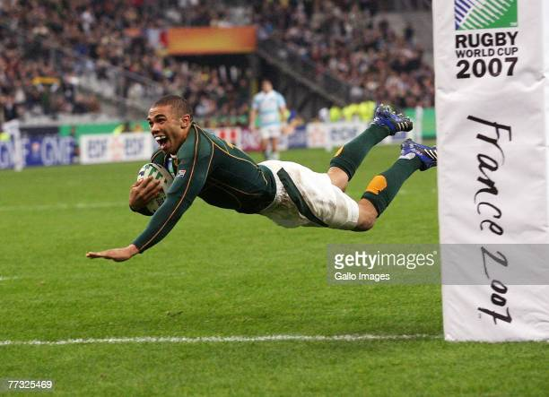 Bryan Habana of South Africa scores his second try during the Rugby World Cup Semi Final between South Africa and Argentina at the Stade de France on...