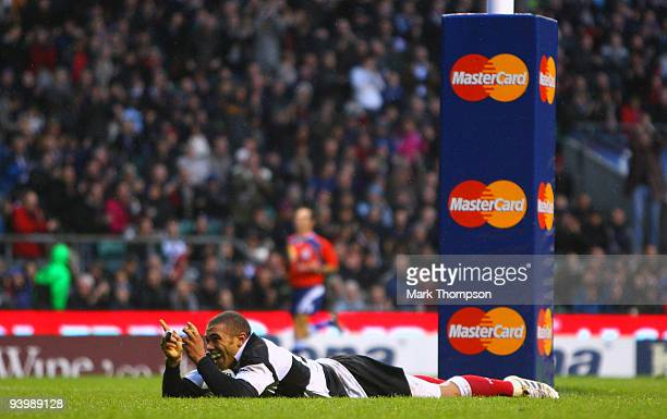 Bryan Habana of the Barbarians celebrates his second try during the MasterCard trophy match between Barbarians and New Zealand at Twickenham Stadium...