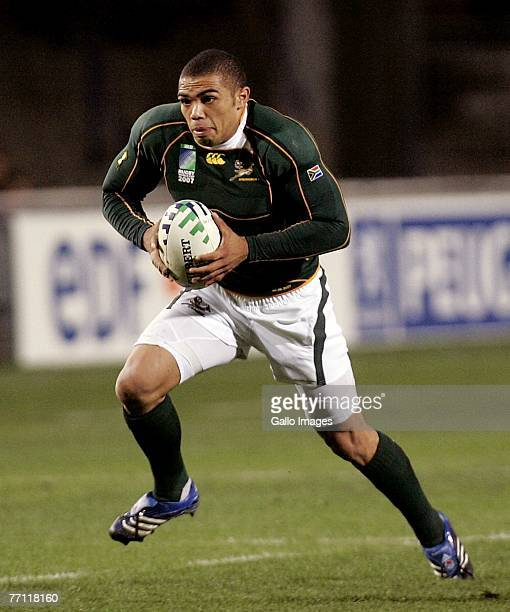 Bryan Habana runs with the ball during the IRB World Cup match between USA and South Africa held at the stade Mosson on September 30 2007 in...