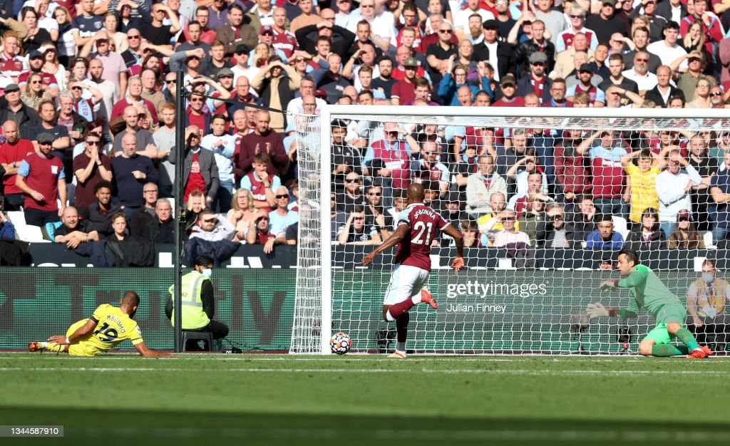 West Ham United v Brentford - Premier League : News Photo