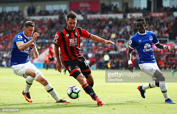Bryan Oviedo of Everton puts Adam Smith of AFC Bournemouth under pressure during the Premier League match between AFC Bournemouth and Everton at the...