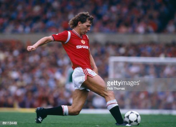 Bryan Robson in action for Manchester United against Oxford United at Old Trafford 7th September 1985