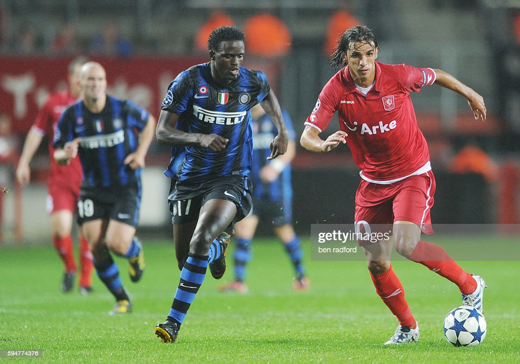 Soccer - UEFA Champions League - Twente Enschede vs. Inter Milan : News Photo
