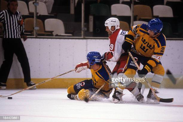 Bryan Trottier of the United States skates on the ice during a 1984 Canada Cup Semi Finals game against Sweden on September 12 1984 at the Northlands...