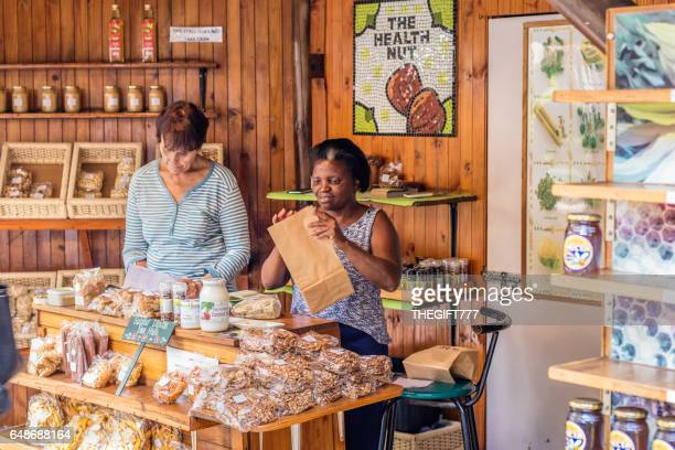 bryanston organic and natural market - gauteng province stock pictures, royalty-free photos & images