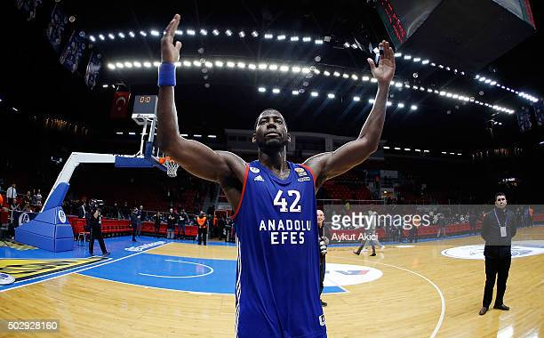 Bryant Dunston #42 of Anadolu Efes Istanbul celebrates victory during the Turkish Airlines Euroleague Basketball Top 16 Round 1 game between Anadolu...