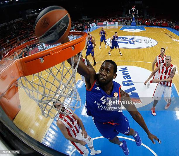 Bryant Dunston #42 of Anadolu Efes Istanbul in action during the Turkish Airlines Euroleague Basketball Top 16 Round 1 game between Anadolu Efes...
