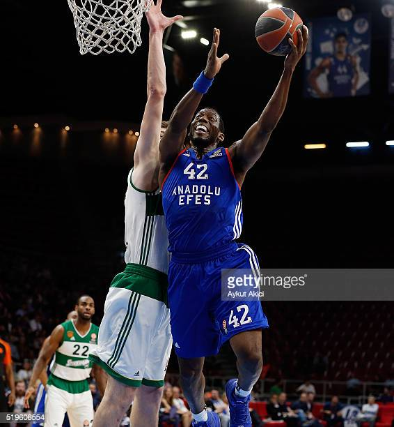 Bryant Dunston #42 of Anadolu Efes Istanbul in action during the 20152016 Turkish Airlines Euroleague Basketball Top 16 Round 14 game between Anadolu...
