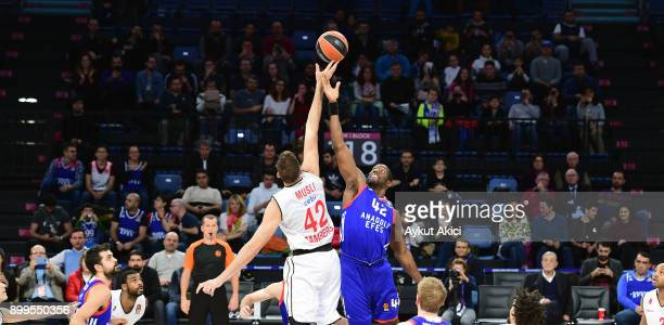 Bryant Dunston #42 of Anadolu Efes Istanbul in action during the 2017/2018 Turkish Airlines EuroLeague Regular Season Round 15 game between Anadolu...