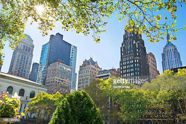 bryant park buildings - bryant park stock pictures, royalty-free photos & images