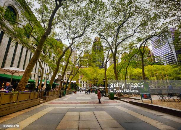 bryant park in new york city - bryant park stock pictures, royalty-free photos & images