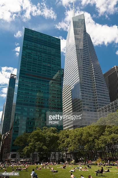 ブライアントパーク、ニューヨーク - ブライアント公園 ストックフォトと画像