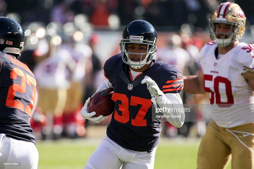 San Francisco 49ers v Chicago Bears : News Photo