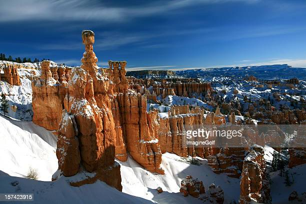bryce canyon in winter - rock hoodoo stock pictures, royalty-free photos & images