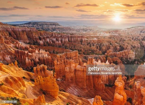 bryce canyon, sunrise from sunset point. utah, usa - francesco riccardo iacomino united states foto e immagini stock