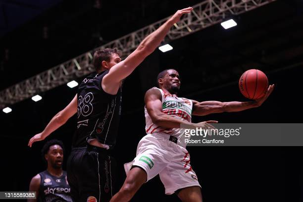 Bryce Cotton of the Wildcats goes to the basket during the round 16 NBL match between the New Zealand Breakers and Perth Wildcats at Silverdome, on...