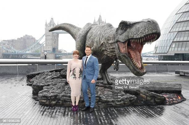 Bryce Dallas Howard and Chris Pratt pose during the 'Jurassic World Fallen Kingdom' photocall at London Bridge on May 24 2018 in London England