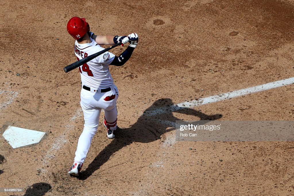 Bryce Harper #34 of the Washington Nationals bats against the Atlanta Braves at Nationals Park on April 11, 2018 in Washington, DC.