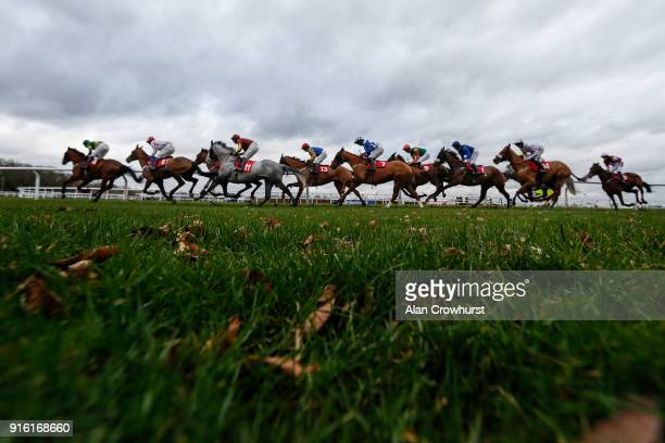 Bryony Frost riding Alberta on their way to winning The Matchbook Racing Is Commission Free Conditional Jockeys' Handicap Hurdle at Kempton Park...