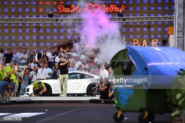 Bryson DeChambeau in action during the Porsche Urban Golf Challenge on the Reeperbahn on July 24, 2018 in Hamburg, Germany.