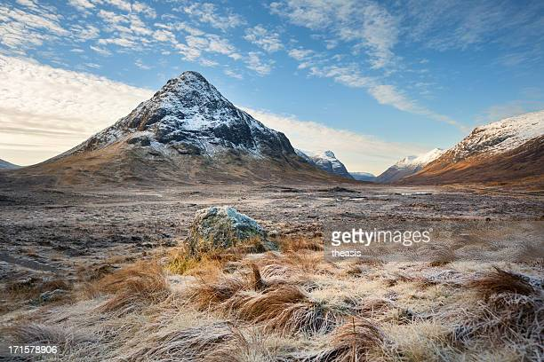 buachaille etive beag - theasis stock pictures, royalty-free photos & images