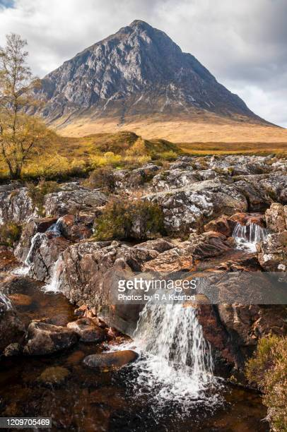 buachaille etive mor waterfall, scotland - glen etive mor stock pictures, royalty-free photos & images