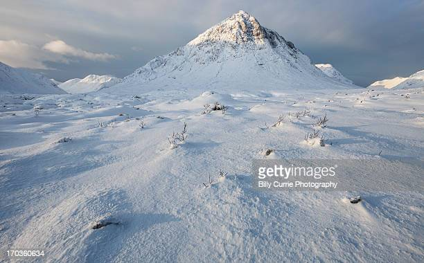 buachaille etive mòr - grampian scotland stock pictures, royalty-free photos & images