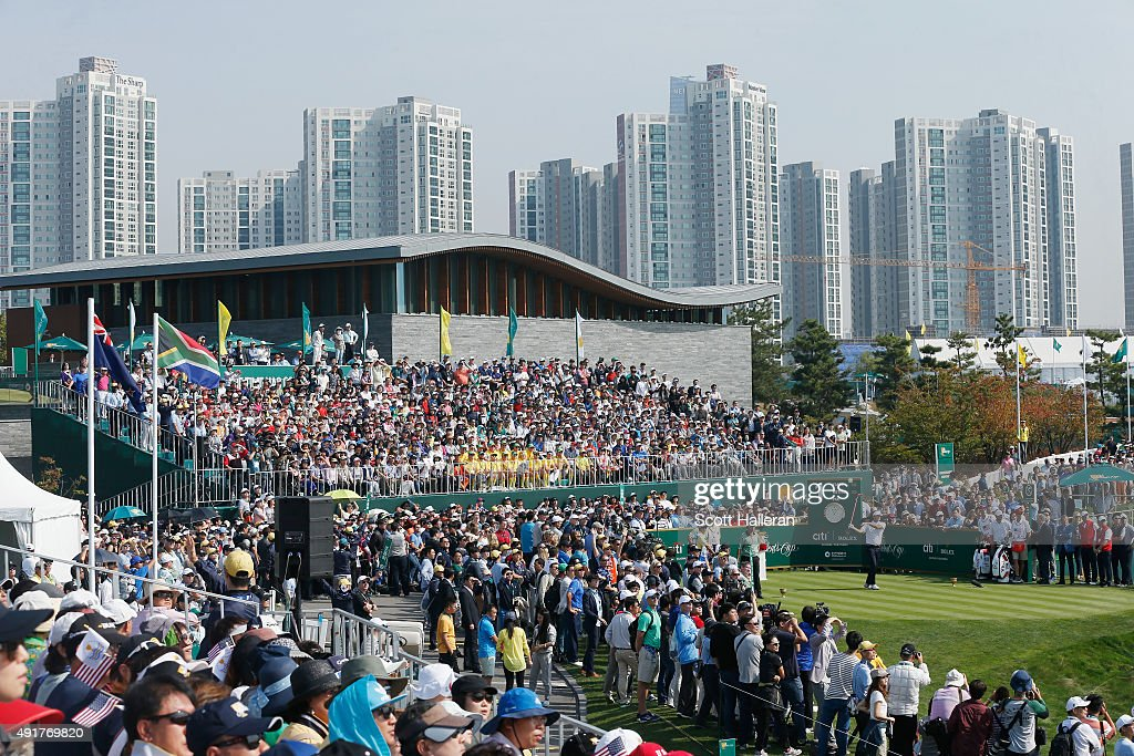 Bubba Watson of the United States Team watches his tee shot on the first hole during the Thursday foursomes matches at The Presidents Cup at Jack Nicklaus Golf Club Korea on October 8, 2015 in Songdo IBD, Incheon City, South Korea