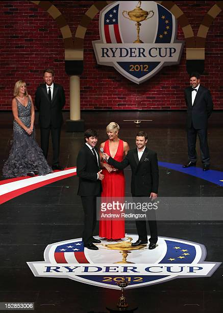 Bubba Watson of the USA and his wife Angie Watson talk with Justin Timberlake at the 39th Ryder Cup Gala at Akoo Theatre at Rosemont on September 26...