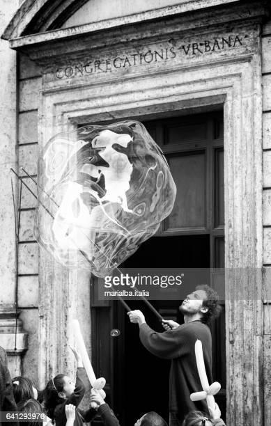 bubble prestaties - italia stockfoto's en -beelden