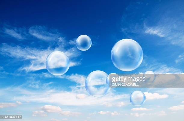 bubbles in sky - 雰囲気 ストックフォトと画像