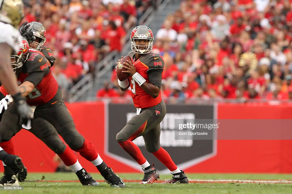Buccaneers quarterback Jameis Winston (3) sets up to throw as he looks downfield during the NFL Game between the New Orleans Saints and Tampa Bay Buccaneers on December 11, 2016, at Raymond James Stadium in Tampa, FL.