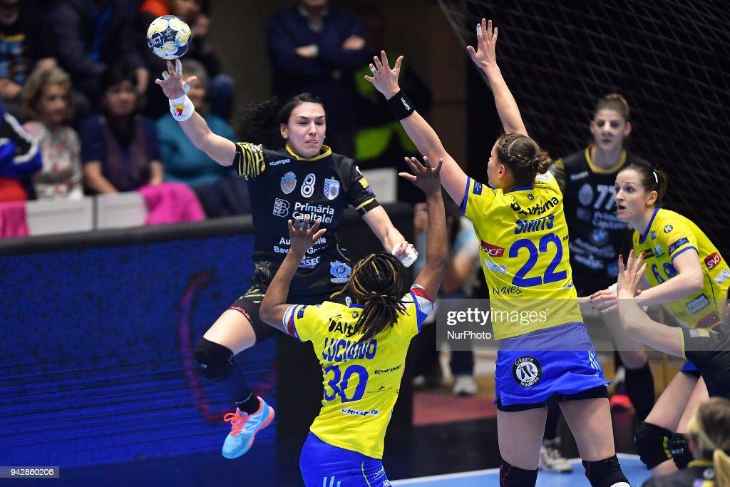 CSM Bucharest v Metz Handball - EHF Women's Champions League Quarter Final : News Photo