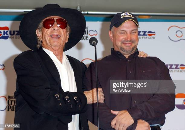 Buck Owens and Garth Brooks during 40th Annual Academy of Country Music Awards - Buck Owens Announces Legends in Bronze Unveiling at Mandalay Bay...