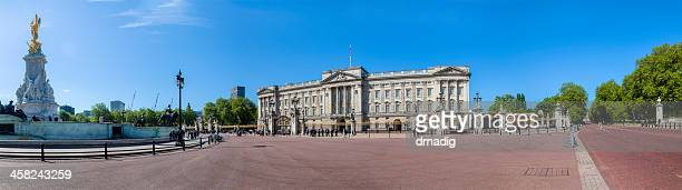 buckingham palace and victoria memorial panorama - buckingham palace stock pictures, royalty-free photos & images