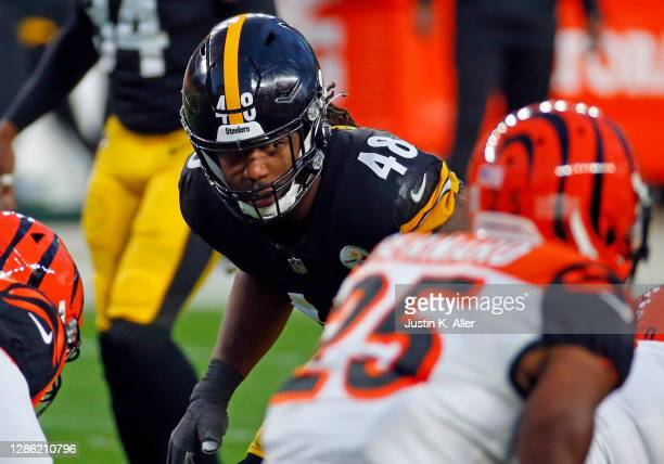 Bud Dupree of the Pittsburgh Steelers in action against the Cincinnati Bengals on November 17, 2020 at Heinz Field in Pittsburgh, Pennsylvania.