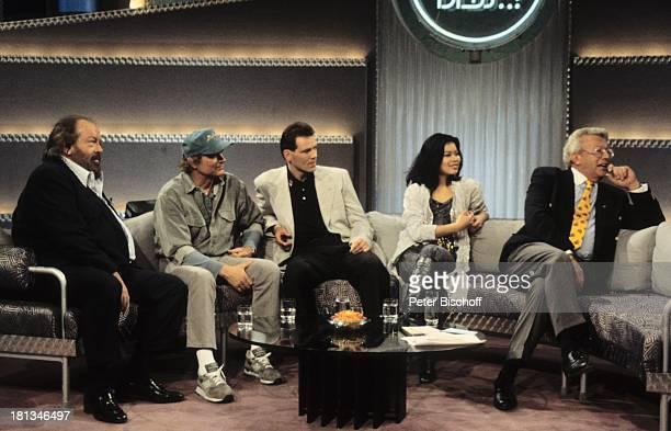 Bud Spencer Terence Hill Henry Maske Vanessa Mae Dieter Thomas Heck ZDFShow 'Wetten dass ' Bremerhaven Deutschland Getränk Glas Sofa Couch Tisch...