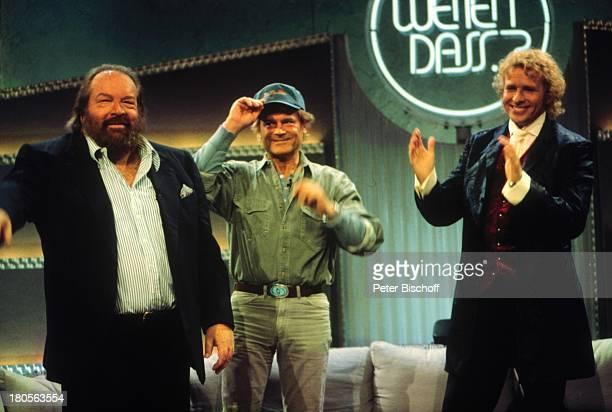 Bud Spencer Terence Hill ThomasGottschalk ZDFShow 'Wetten daß 'Bremerhaven Schirmmütze Kappe Applaus stehend