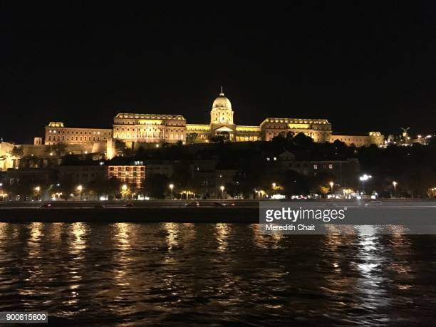 buda castle at night - royal palace budapest stock pictures, royalty-free photos & images